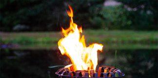 Mit einem Feuerkorb machen Sie Ihre Gartenparty zu einem unvergesslichen Erlebnis.