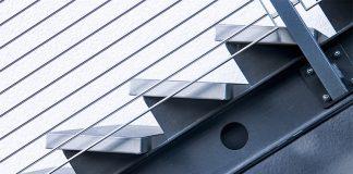 Eine Stahltreppe kann im Innen- sowie im Außenbereich eingesetzt werden. Sie ist mitunter platzsparend und ermöglicht individuelle Gestaltung.