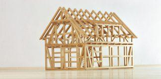 Hier fungiert die stabförmige Tragkonstruktion als Basis: Die Holzskelettbauweise.