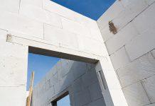Kalksandstein zählt neben Ton zu den am meisten verwendeten Ziegelarten.