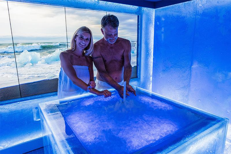 Sorgt für die nötige Abkühlung nach dem Saunagang: Die ICE LOUNGE von KLAFS.